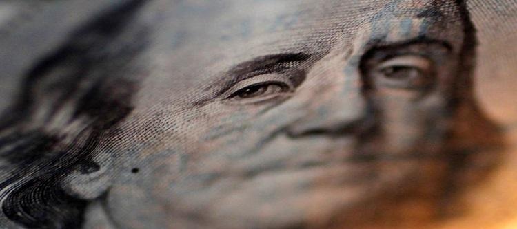 Dollar Woes Continue Despite Traders Slashing Bearish Bets