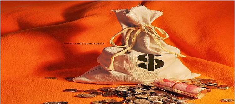 U.S. Dollar Skids as Trade War Fears Heat Up
